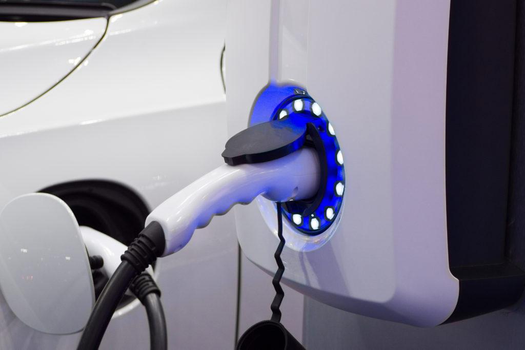 Infrastructures de recharges pour véhicules électriques (IRVE) dans les parcs de stationnement couverts